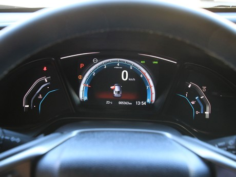 Honda civic 1 0 vtec turbo cvt executive testbericht 010
