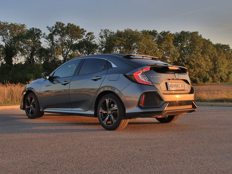 Honda civic 1 0 vtec turbo cvt executive testbericht 021