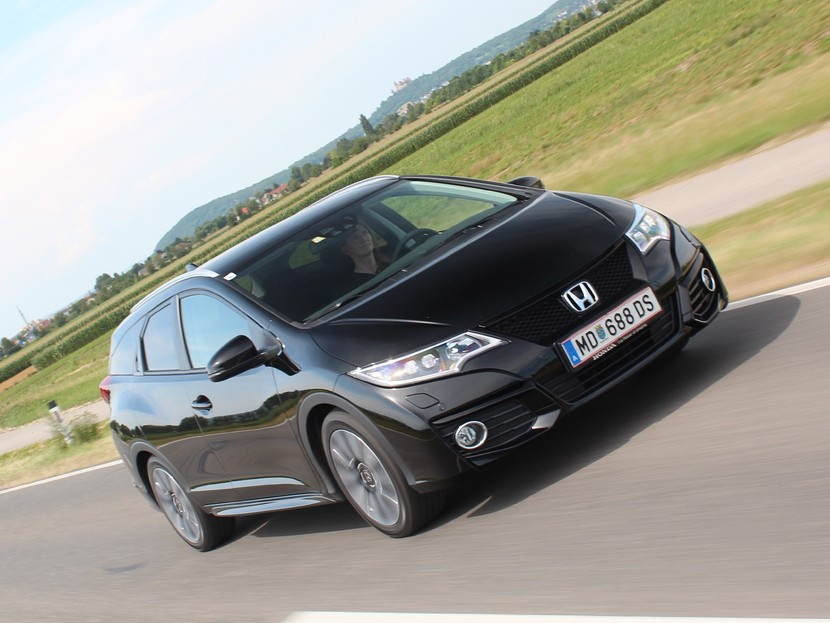 Honda civic tourer 1 6 i dtec lifestyle black edition testbericht 030