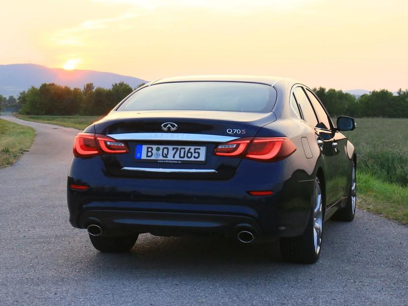 Infiniti Q70 2,2d Sport Tech - Testbericht ::: auto-motor.at :::