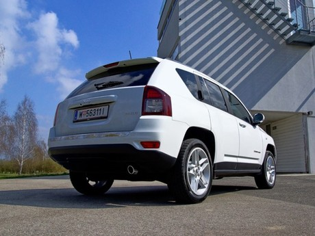 Jeep compass 2 4 limited 170 ps 4wd at testbericht 011