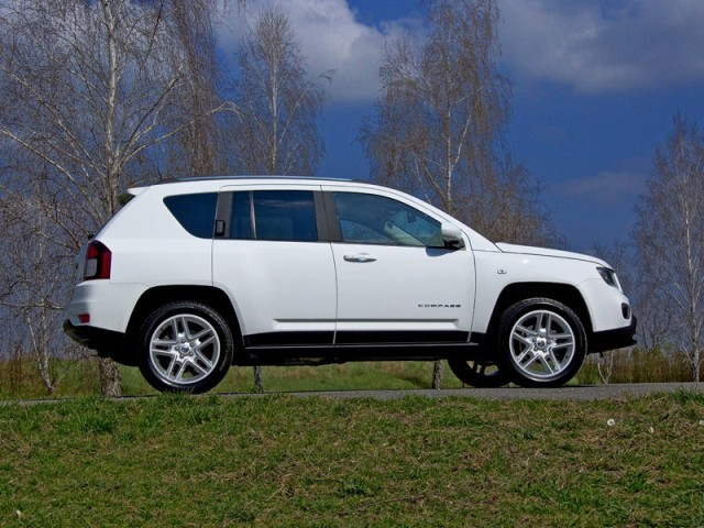 jeep compass 2 4 benziner mit automatik testbericht auto. Black Bedroom Furniture Sets. Home Design Ideas
