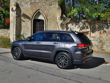 Jeep grand cherokee trailhawk 3 0 v6 crd at testbericht 013