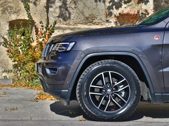 Jeep grand cherokee trailhawk 3 0 v6 crd at testbericht 021