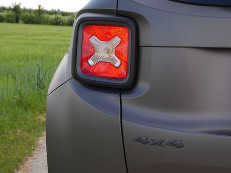 Jeep renegade night eagle 2 0 multijet ii 140 testbericht 018