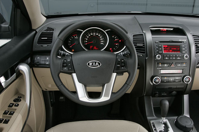 Kia sorento 09 test cockpit