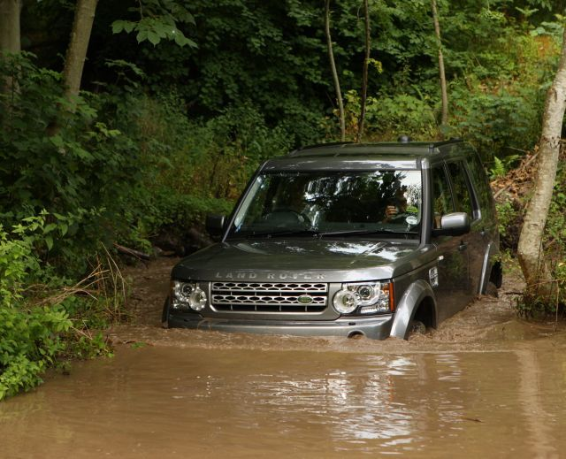 Land rover discovery 4 test action 2