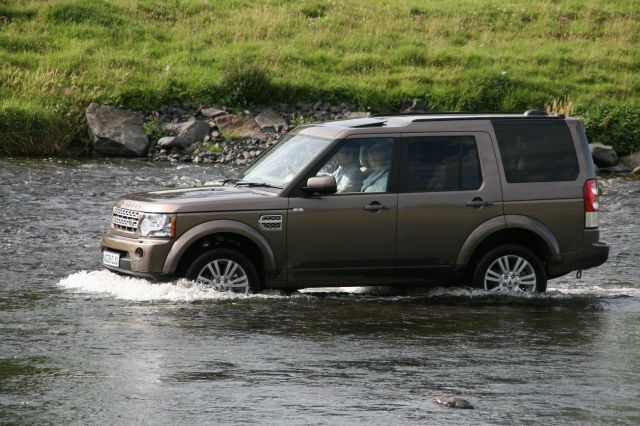 Land rover discovery 4 test action 3