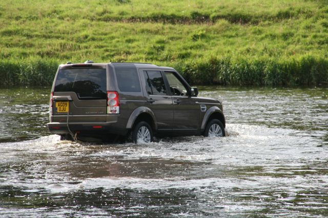 Land rover discovery 4 test action 5