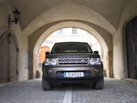 Land Rover Discovery 4 3,0 TDV6 AT HSE Testbericht