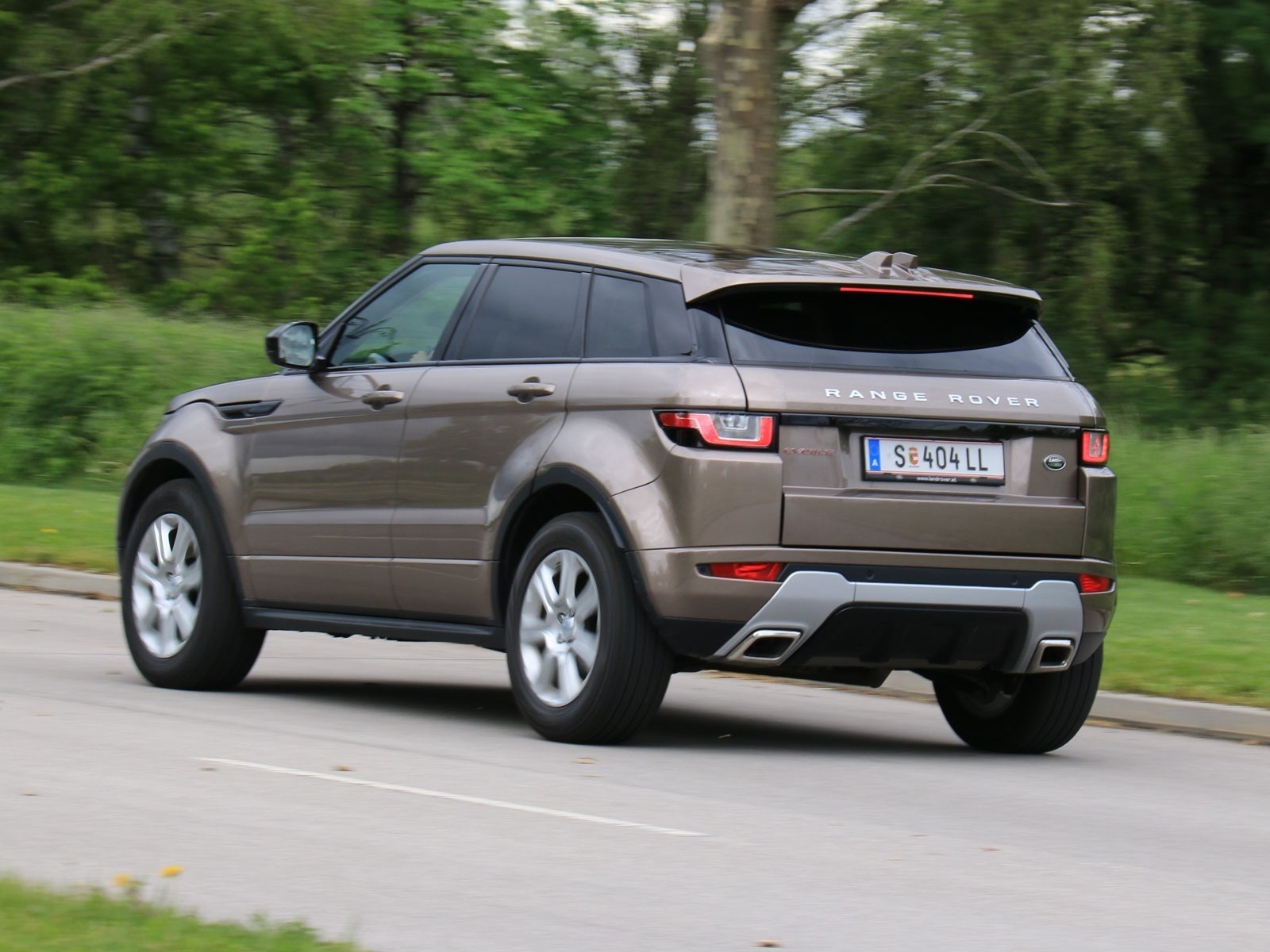 foto range rover evoque 2 0l td4 aut se dynamic. Black Bedroom Furniture Sets. Home Design Ideas