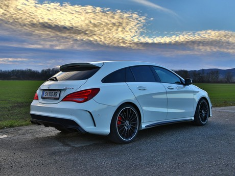 Mercedes cla 45 amg 4matic shooting brake testbericht 015