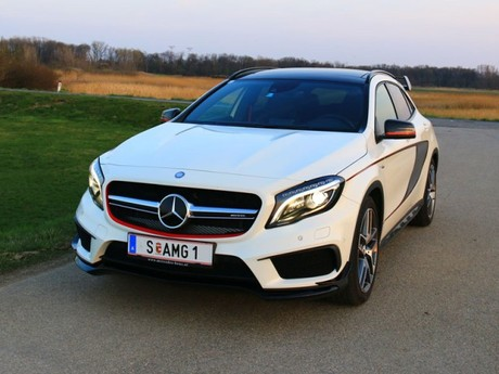 mercedes gla 45 amg 4matic testbericht auto. Black Bedroom Furniture Sets. Home Design Ideas