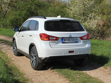 Mitsubishi asx 2 2 di d at 4wd instyle testbericht 002