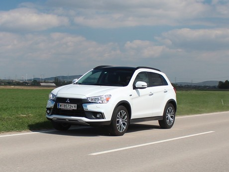 Mitsubishi asx 2 2 di d at 4wd instyle testbericht 012