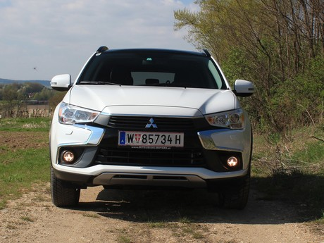 Mitsubishi asx 2 2 di d at 4wd instyle testbericht 021