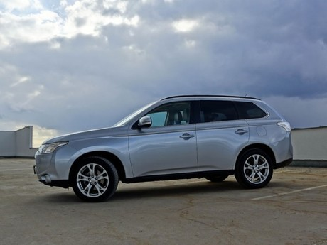 Mitsubishi outlander 2 2 di d 4wd instyle testbericht 003