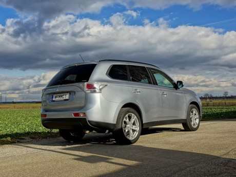 Mitsubishi outlander 2 2 di d 4wd instyle testbericht 009