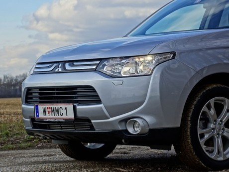 Mitsubishi outlander 2 2 di d 4wd instyle testbericht 015