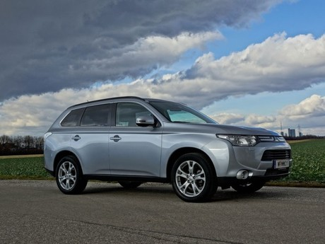 Mitsubishi outlander 2 2 di d 4wd instyle testbericht 020