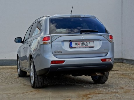 Mitsubishi outlander 2 2 di d 4wd instyle testbericht 021