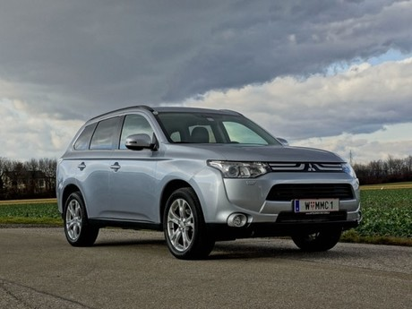 Mitsubishi outlander 2 2 di d 4wd instyle testbericht 032