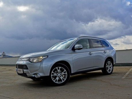Mitsubishi outlander 2 2 di d 4wd instyle testbericht 036