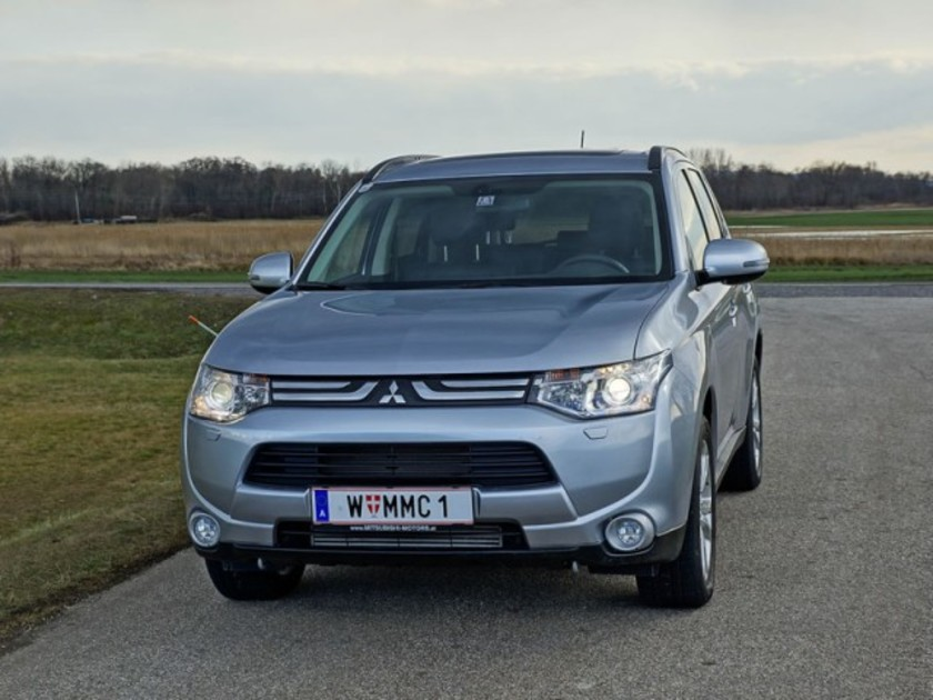 Mitsubishi outlander 2 2 di d 4wd instyle testbericht 041