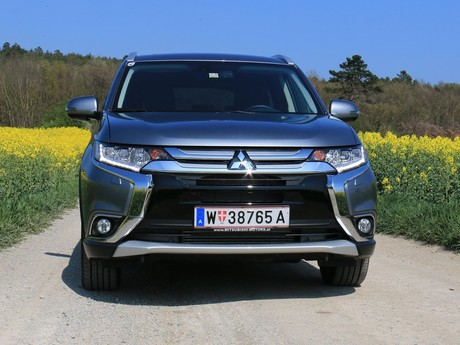 Mitsubishi outlander 2 2 di d 4wd at instyle testbericht 010
