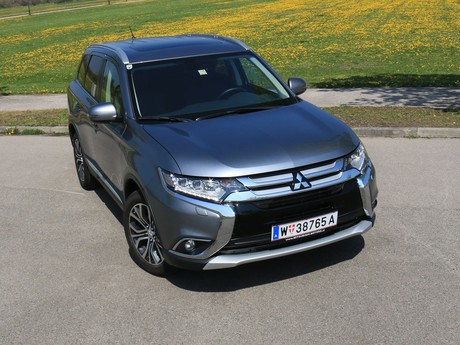 Mitsubishi outlander 2 2 di d 4wd at instyle testbericht 012