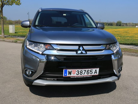 Mitsubishi outlander 2 2 di d 4wd at instyle testbericht 024