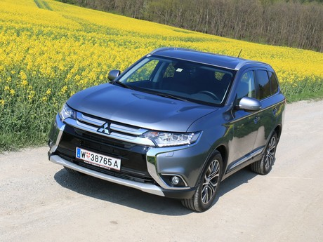 Mitsubishi outlander 2 2 di d 4wd at instyle testbericht 026