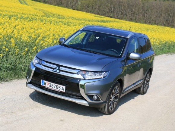 Mitsubishi Outlander 2,2 DI-D 4WD AT Instyle - Testbericht