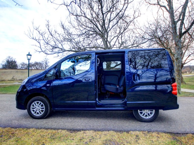 nissan nv200 evalia testbericht bild 26 von 46. Black Bedroom Furniture Sets. Home Design Ideas
