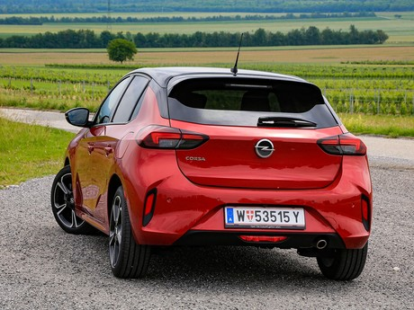 Opel corsa 1 2 turbo at gs line testbericht 011