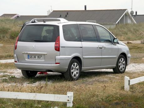 peugeot 807 2.2 hdi exclusive - testbericht ::: auto-motor.at :::