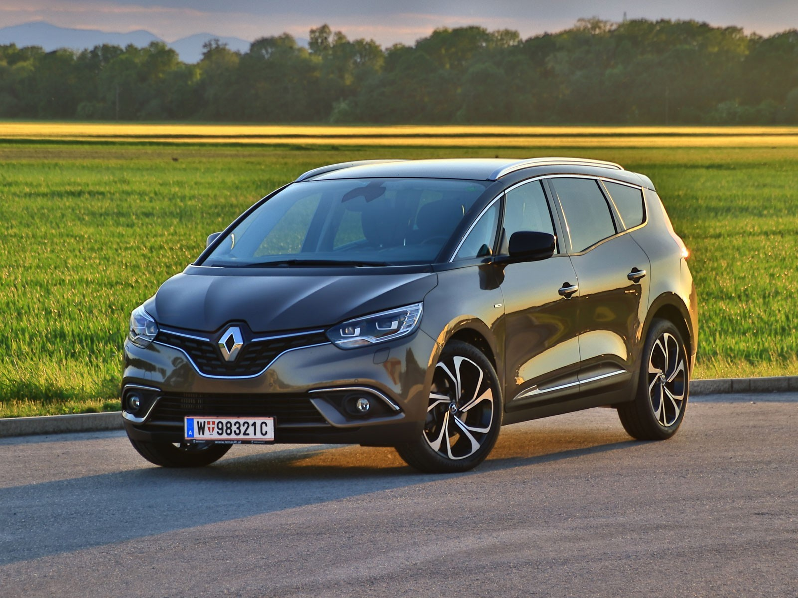 foto renault grand scenic energy dci 160 edc bose testbericht vom artikel renault grand. Black Bedroom Furniture Sets. Home Design Ideas