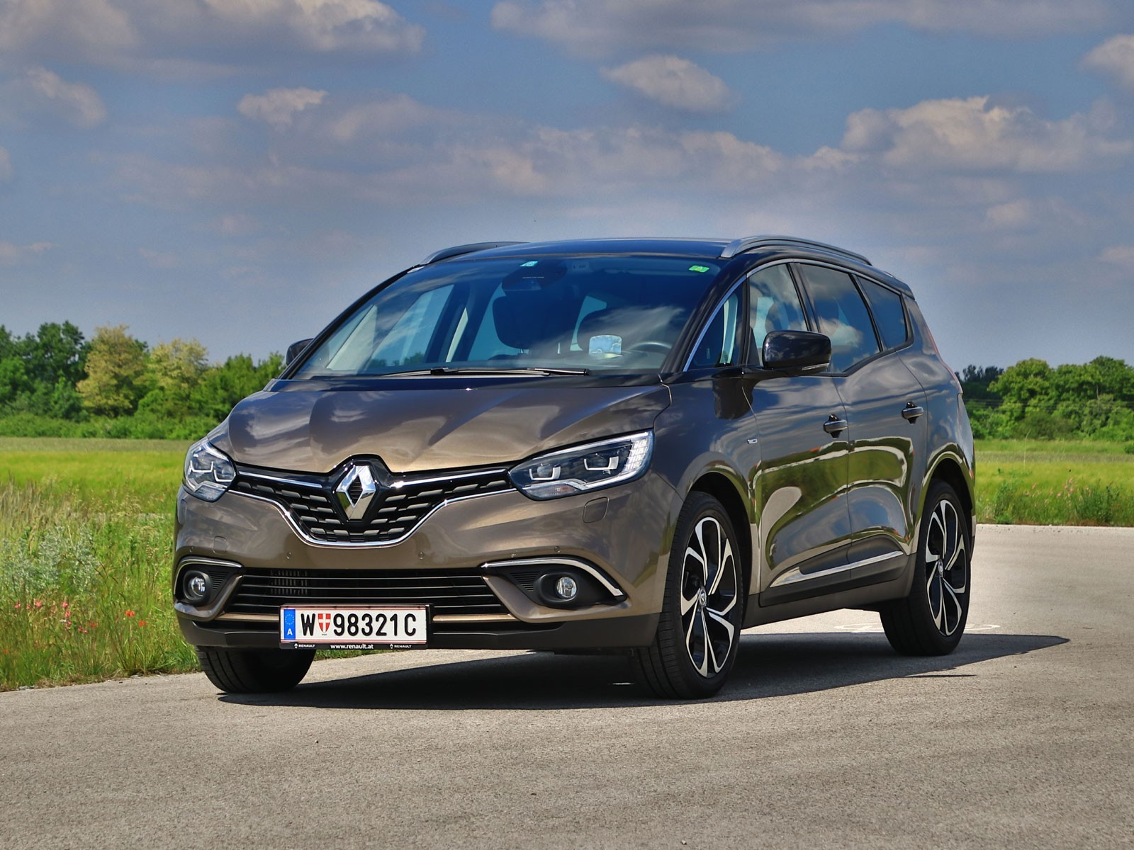 foto renault grand scenic energy dci 160 edc bose. Black Bedroom Furniture Sets. Home Design Ideas