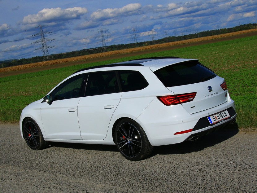 seat leon st cupra mit 300 ps testbericht auto motor. Black Bedroom Furniture Sets. Home Design Ideas