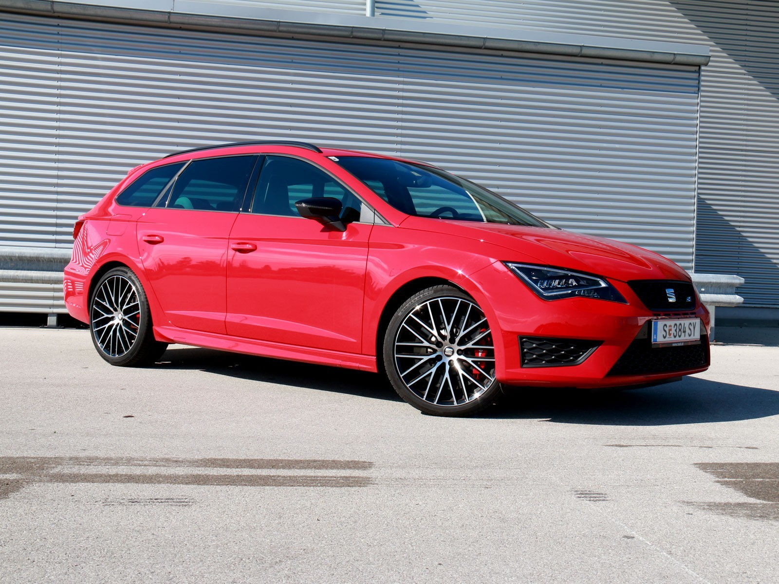 foto seat leon st cupra 290 tsi dsg testbericht vom artikel seat leon st cupra im test. Black Bedroom Furniture Sets. Home Design Ideas