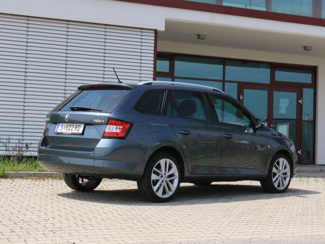 skoda fabia combi im test auto. Black Bedroom Furniture Sets. Home Design Ideas