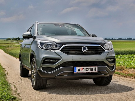 Ssangyong rexton g4 2 2 4wd at icon testbericht 001