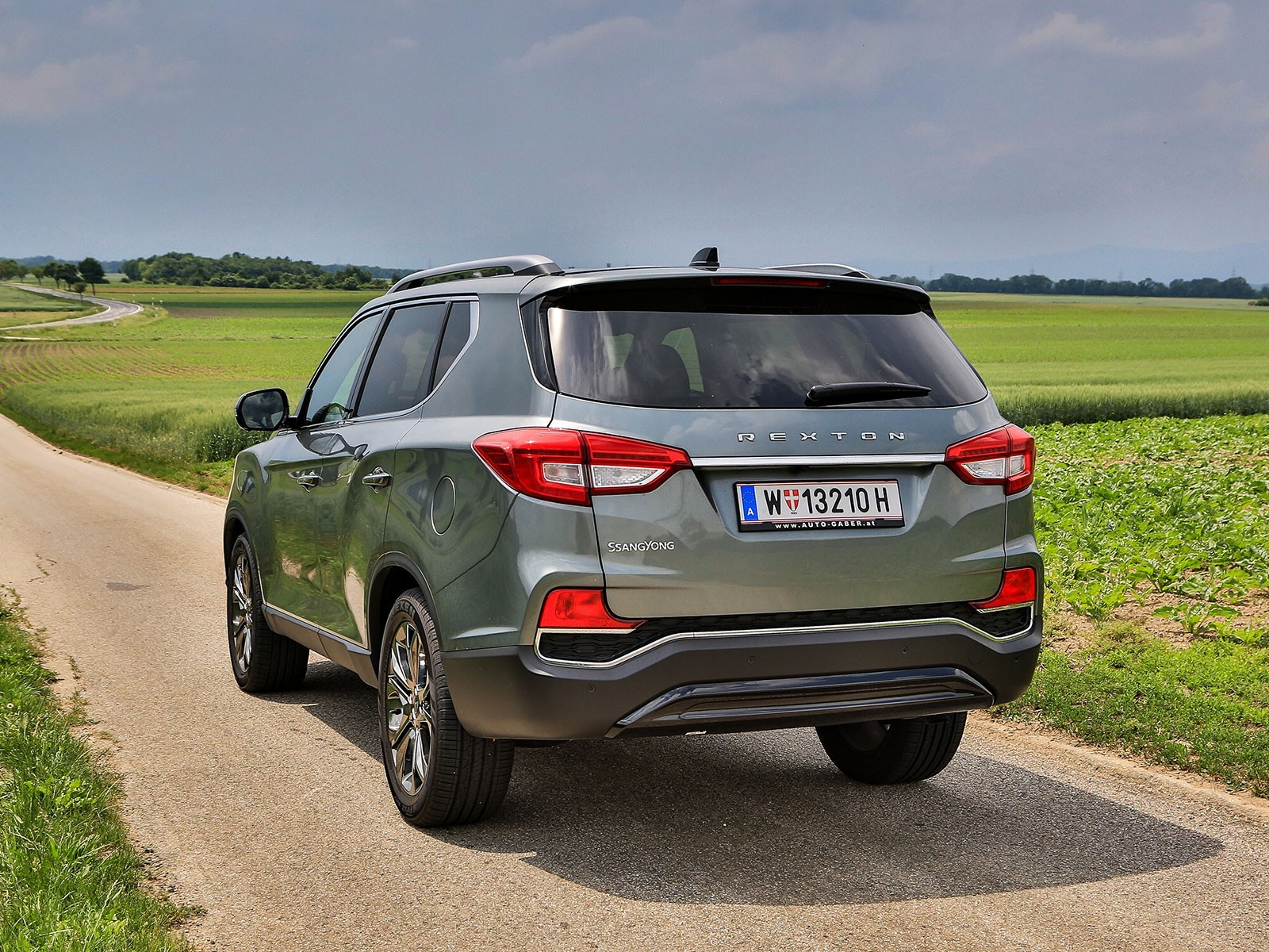 Ssangyong rexton g4 2 2 4wd at icon testbericht 002
