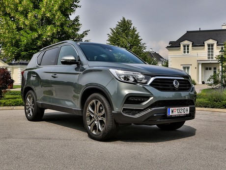 Ssangyong rexton g4 2 2 4wd at icon testbericht 010