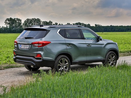 Ssangyong rexton g4 2 2 4wd at icon testbericht 013