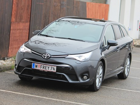 Toyota avensis touring sports 2 0 d 4d active plus testbericht 001