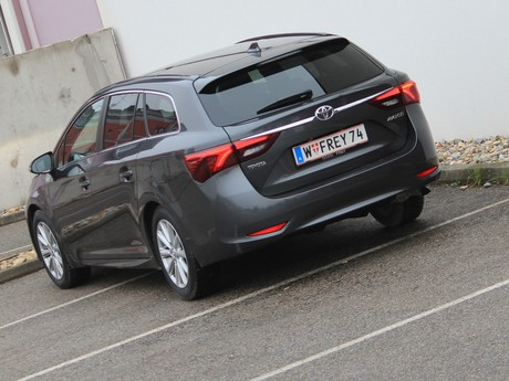 Toyota avensis touring sports 2 0 d 4d active plus testbericht 002