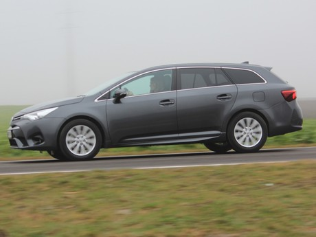 Toyota avensis touring sports 2 0 d 4d active plus testbericht 003