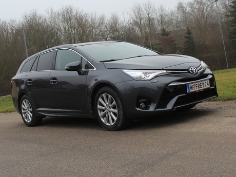 Toyota avensis touring sports 2 0 d 4d active plus testbericht 008