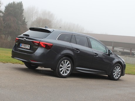 Toyota avensis touring sports 2 0 d 4d active plus testbericht 009